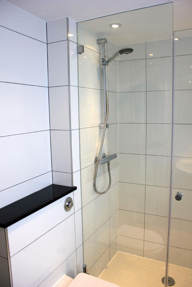 Chelsea Interior Developments 187 Contemporary White Shower Room