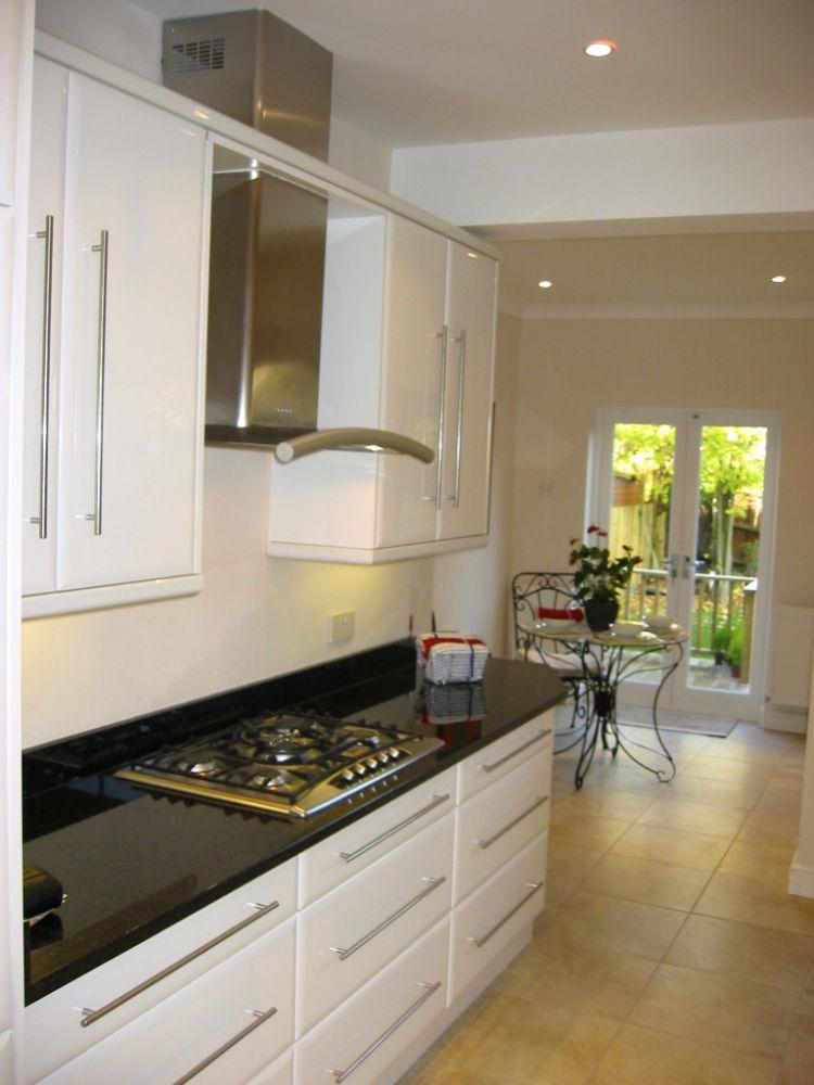 ElisehtyuiRhoades: White Kitchens Gloss