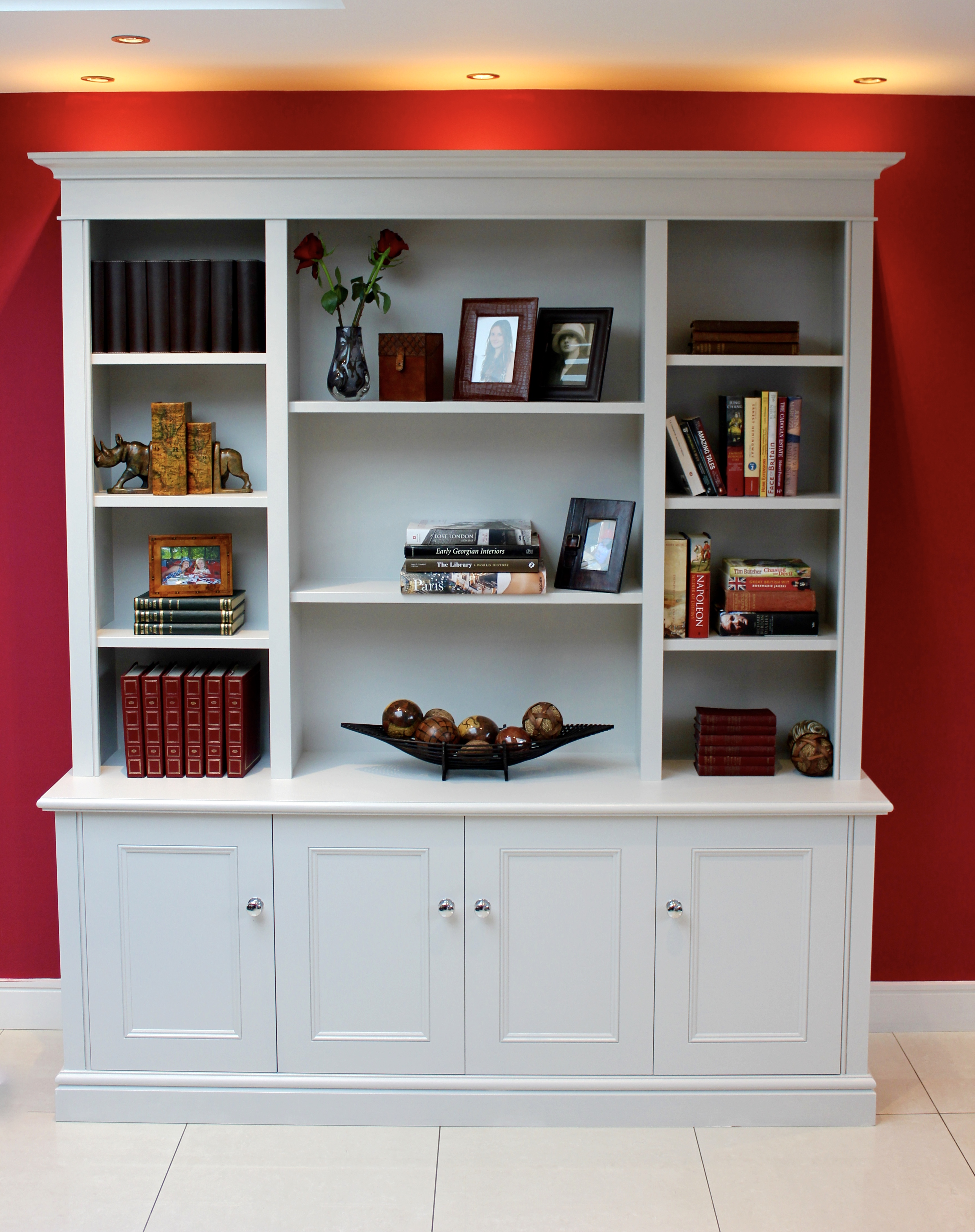 Freestanding dresser